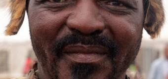 КОРОЛЬ ЗУЛУСІВ: «ЧОРНІ РУЙНУЮТЬ ПІВДЕННУ АФРИКУ»