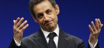 РИА Новости: НА  ПУТІНА   ЧЕКАЄ  СУД  ЛІНЧА:  Саркозі прибув до Петербурга жебрати   грошей на Президента Франції
