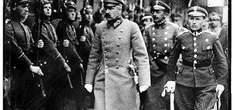 ВЕЛИКОМУ  патріоту Юзефу  Пілсудському  від Адольфа Гітлера