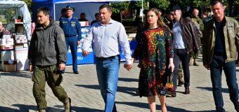 ДРУЖИНA  лідера  «ДНР»  виявилася УКРАЇНСЬКОЮ  ТЕРОРИСТКОЮ…