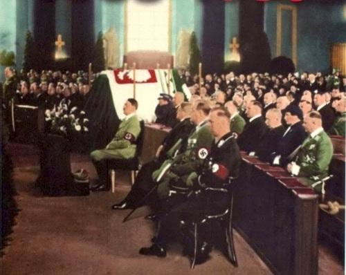 hitler_pic582sudski-funeral_1